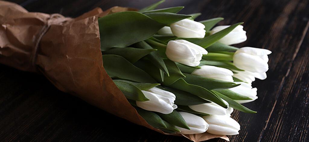 Sett sammen en flott tulipanbukett, trinn for trinn