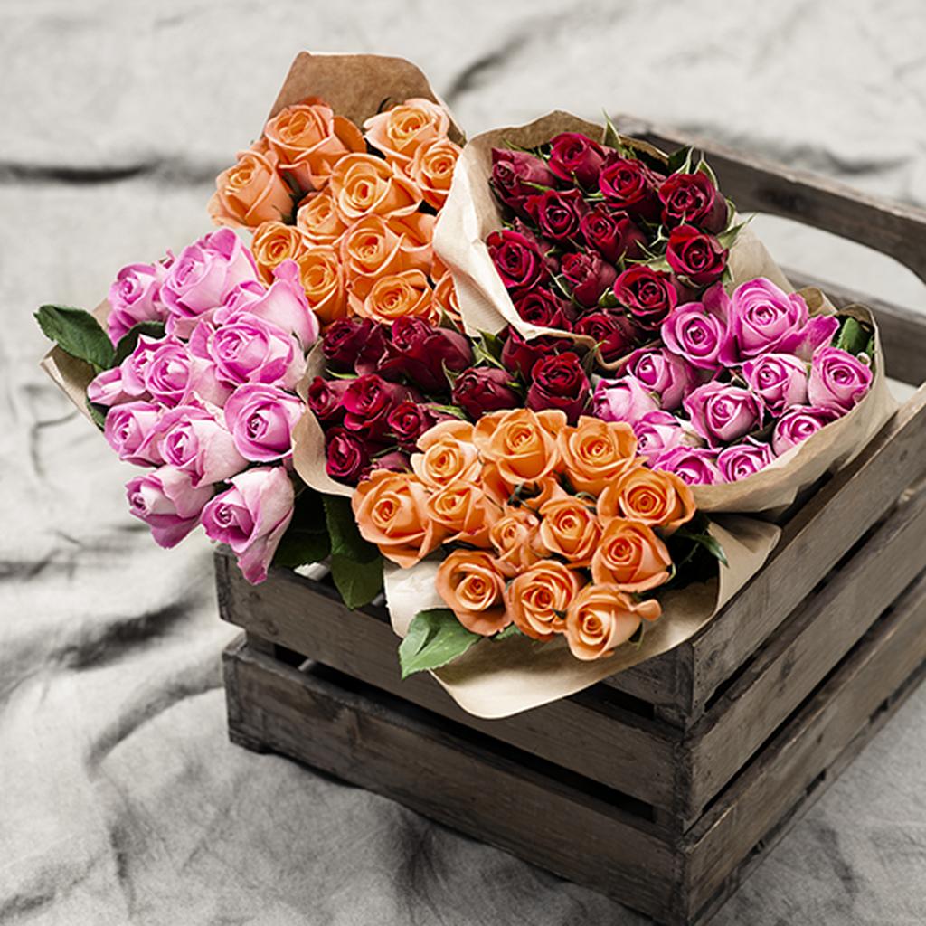 Feir helgen med friske avskårne blomster