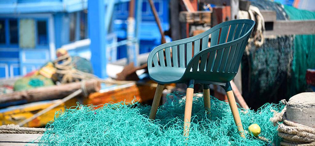 Dura-ocean - en stol av gjenvunnet plast