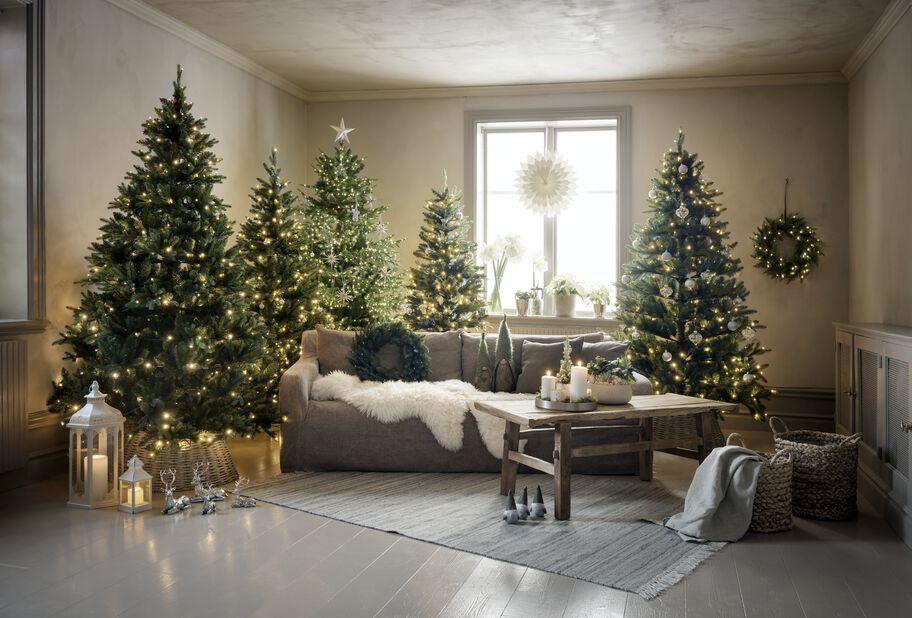Kunstig juletre Langfjella med lys, Høyde 3.65 m, Grønn