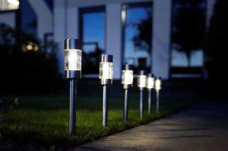 Solcelledrevet lysarmatur Altea, Høyde 39 cm, Sølv
